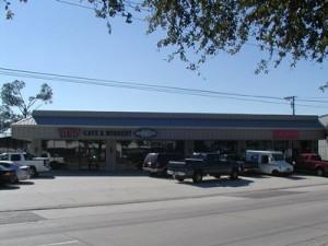 1720 East Judge Perez Drive, Chalmette, LA 70043